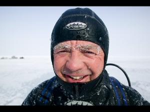 doug-allan-emerges-from-dive-at-minus-20c
